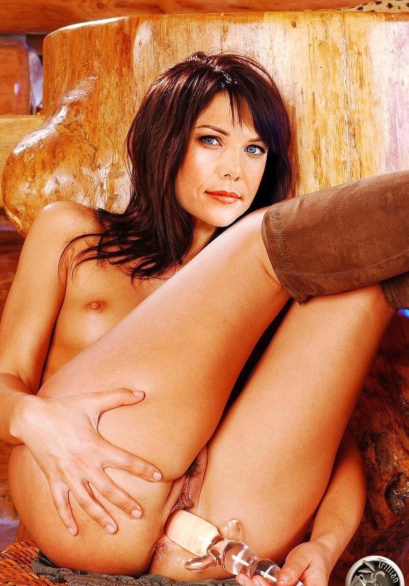 Lauren Graham Nude Fakes - 026